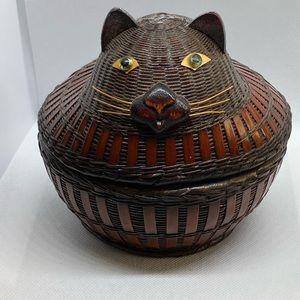 VTG cat shape rattan basket trinket sewing box 6X6